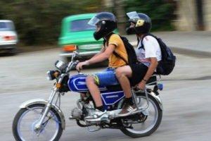 В Брянске автоинспекторы задержали 14-летнего подростка, приехавшего в школу на мотоцикле