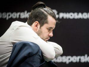 Ян Непомнящий остался лидером шахматного турнира претендентов после девятого тура