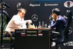 Ян Непомнящий вышел в лидеры возобновившегося шахматного турнира претендентов
