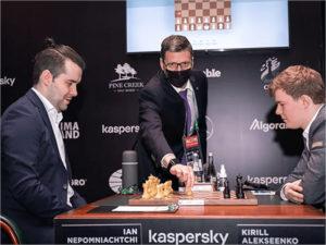 Ян Непомнящий ушёл в отрыв на шахматном турнире претендентов