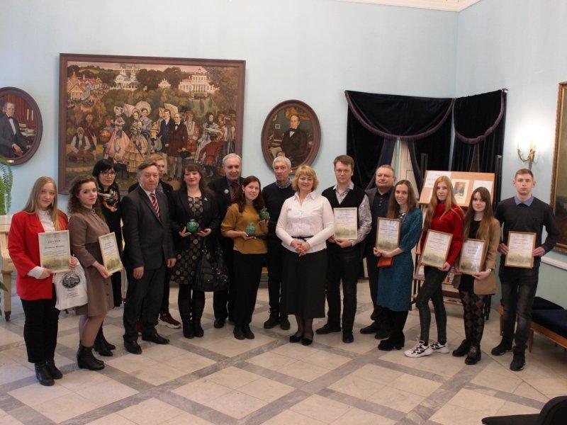 «Хрустальное яблоко» в Овстуге получили молодые поэты из Петербурга, Брянска и Подмосковья