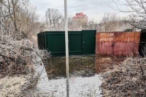 В Брянске затопило восемь приусадебных и дачных участков — МЧС