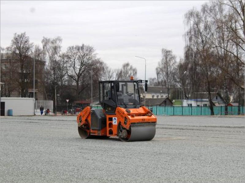 Реконструированный стадион «Заря» в Стародубе подрядчик обещает сдать на две недели раньше срока