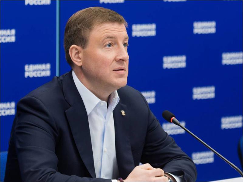 «Единая Россия» внесла поправки в действующие закона для реализации социальных положений послания президента