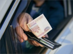 Новозыбковская торговка пойдёт под суд за попытку «купить» гаишника