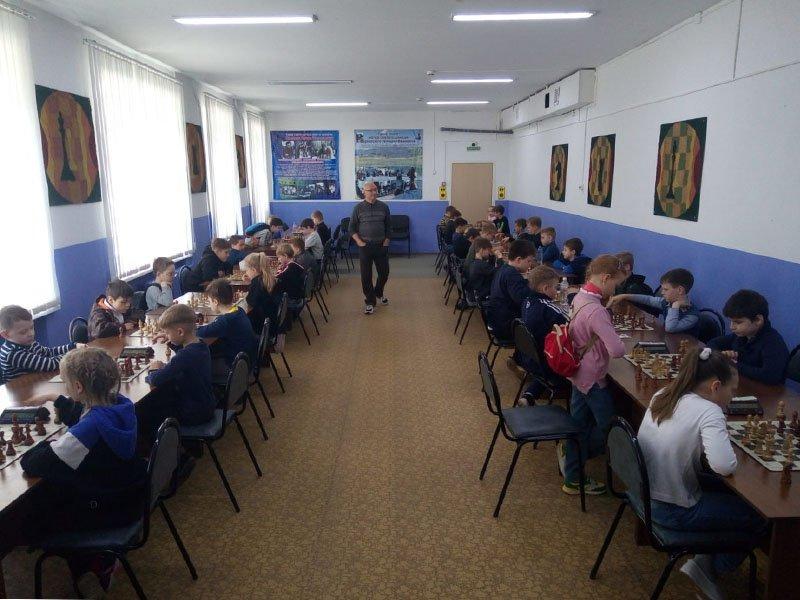 В Брянске прошел шахматный мемориал Бурневского