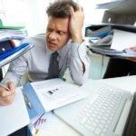 Почти половина россиян заявили, что постоянно работают сверхурочно