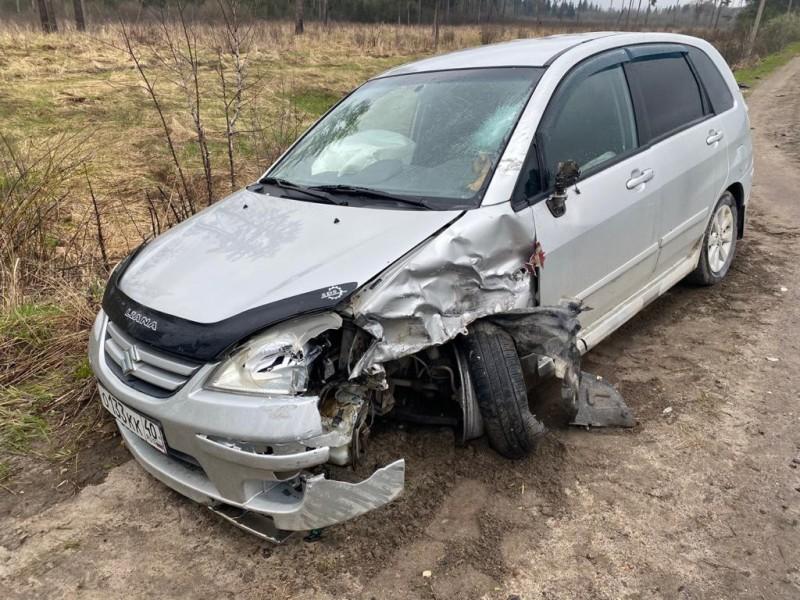 На брянской местной автодороге мотоциклист протаранил легковушку и угодил в реанимацию