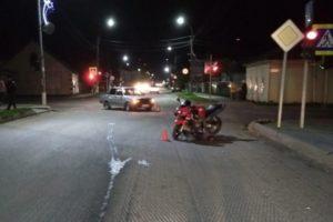 В Погаре мотоциклист попытался пролететь на красный. И протаранил «семёрку»
