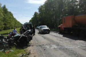 Под Новозыбковом иномарка протаранила ЗиЛ-133. У водителя тяжёлые травмы