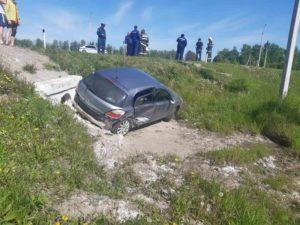 Под Почепом улетел в кювет Opel Astra. Водитель жив