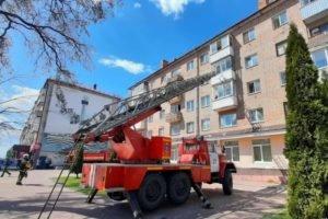 В Брянске горел подвал под детской стоматологической поликлиникой. Пожар тушили шесть часов