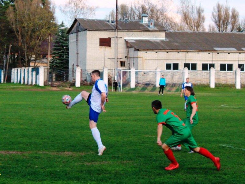 В чемпионате Брянской области по футболу участвуют команды всех муниципалитетов региона