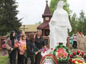 В жуковской Матрёновке почтили память жертв геноцида советского народа — заживо сожжённых мирных жителей