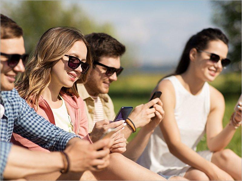 Число старшеклассников с собственными SIM-картами Tele2 в Брянске за год выросло в полтора раза