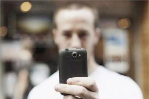 Российские суды стали наказывать граждан за выкладывание в интернет роликов, порочащих других граждан