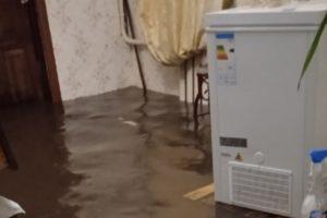Субботний дождь затопил дома в Володарском районе Брянска