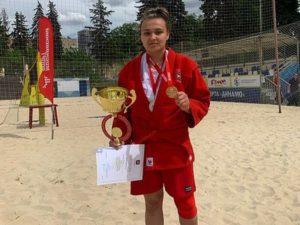 Брянская спортсменка выиграла чемпионат Москвы по пляжному самбо