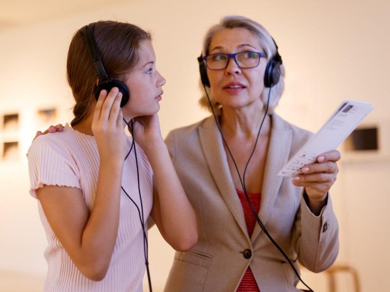 Абоненты Tele2 могут по подписке слушать аудиогиды izi.TRAVEL