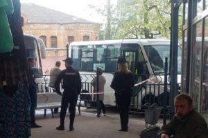 На автовокзале Брянска сапёры проверяли «заминированный» автобус