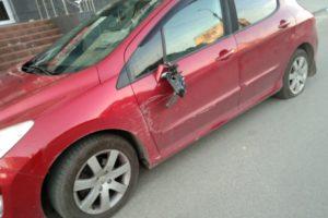 Разбила машину и не заметила: в Брянске дорожная полиция задержала пьяную женщину за рулём