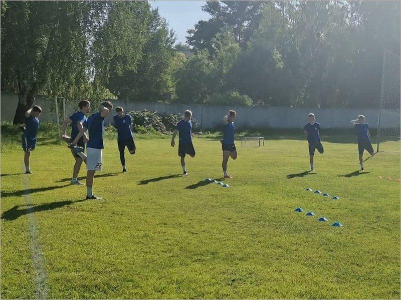 Брянское «Динамо» вышло из отпуска. На контрактах пока только пять игроков