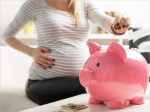 Российское правительство выделило более 46 млрд. рублей на пособия беременным и родителям-одиночкам