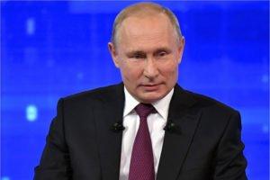 Вакцинация стала главной темой обращений к «Прямой линии» с Владимиром Путиным