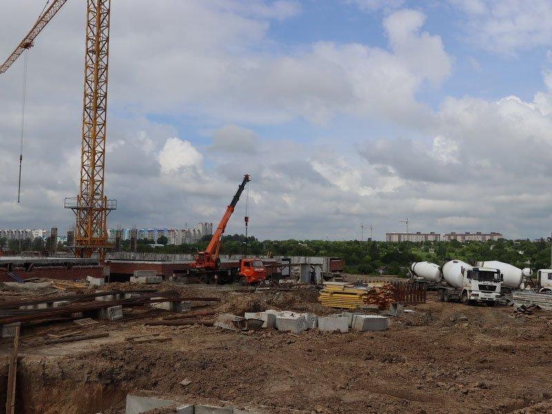В Брянске готов фундамент для новой школы на улице Романа Брянского