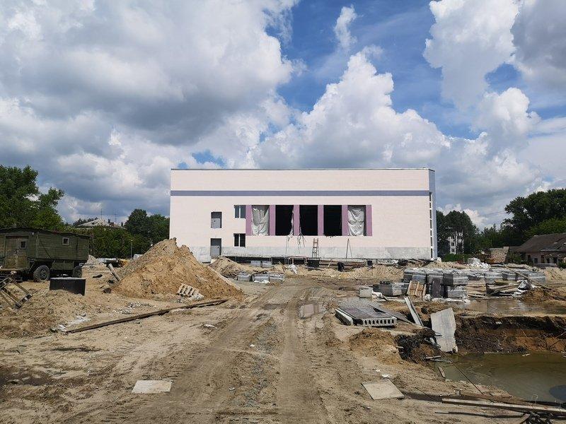 Работы на строительстве бассейна в Бежице вновь приостановлены