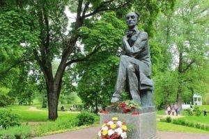 Тютчевский праздник поэзии в Овстуге отпраздновал 60-летие. С соблюдением антикоронавирусных мер