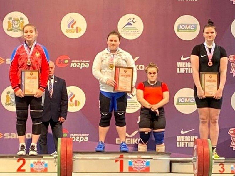 Брянские тяжелоатлеты привезли две медали с предолимпийского чемпионата России