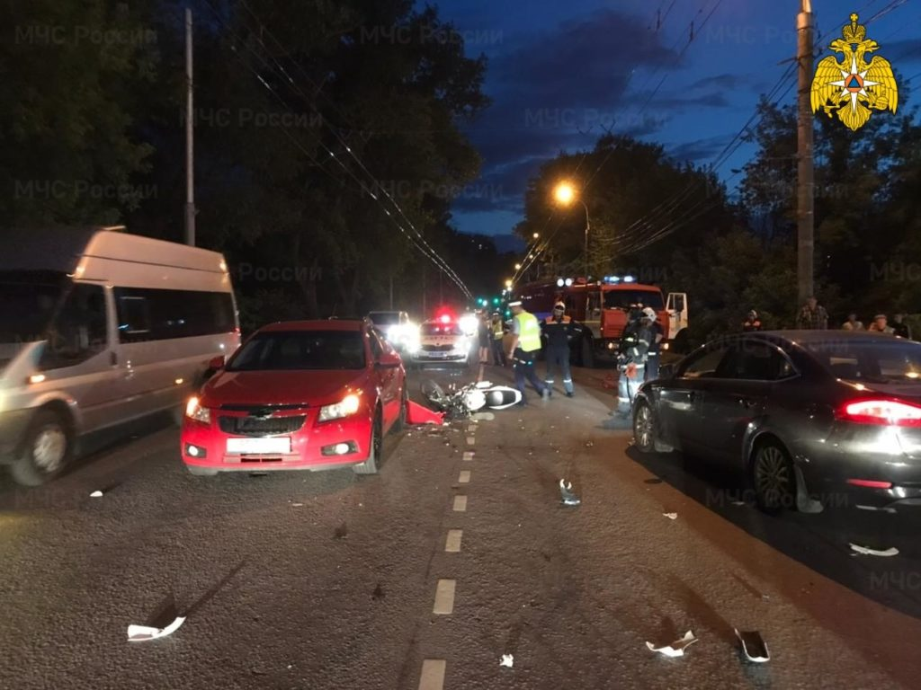 В ДТП на улице Калинина в Брянске погиб 16-летний мотоциклист