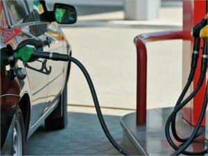 Средняя цена на литр бензина в Брянске  взлетела выше 49 рублей – Росстат