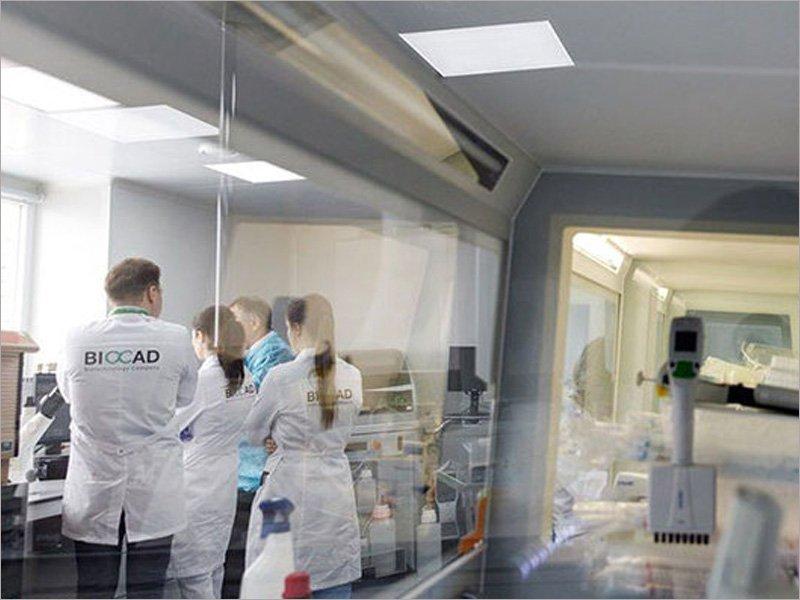 Минздрав зарегистрировал российский препарат для лечения ревматоидного артрита, который помогает и больным COVID-19
