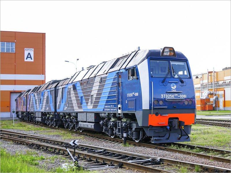 Три новых тепловоза брянского производства поставлены на угольный разрез в Якутию