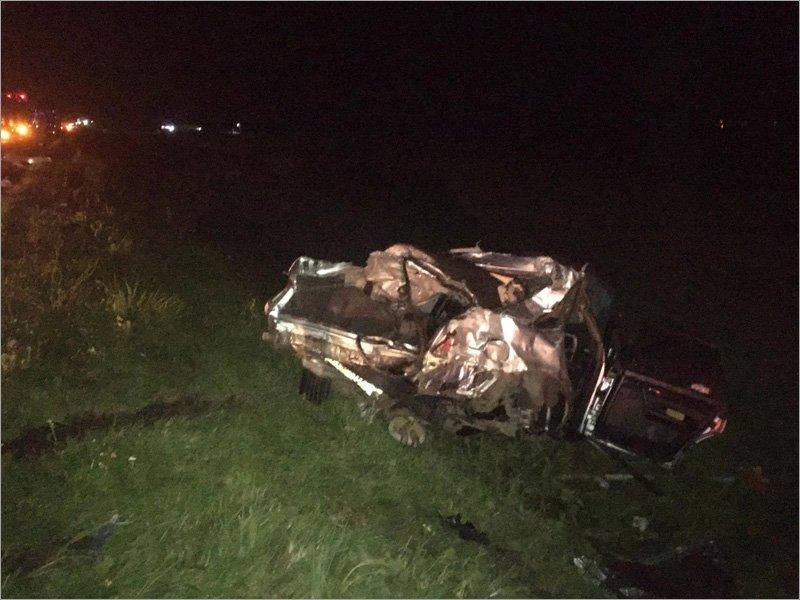 На объездной вокруг Брянска женщина-водитель Audi влетела в большегруз