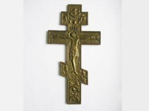 Брянские таможенники обнаружили в молдавской посылке кресты