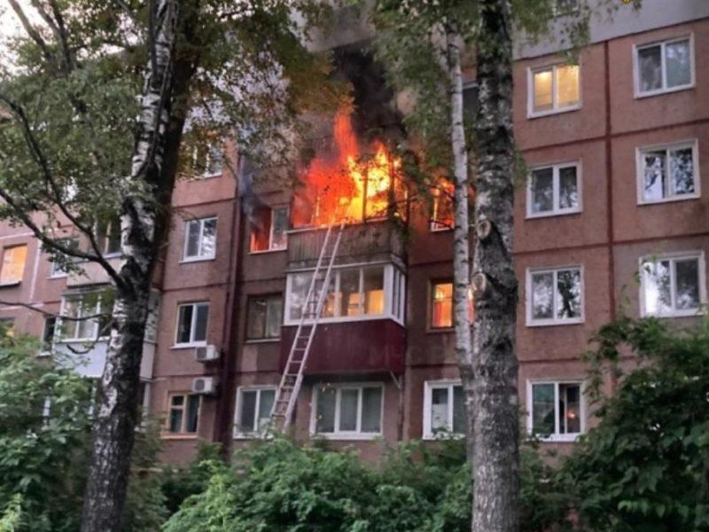 В Брянске выгорела квартира в многоэтажке по проспекту Ленина. Погибла женщина