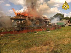 В брянской Красной Поляне выгорел дом. Пострадавших нет