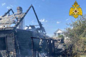 В Жуковке сгорел дом. Жертв нет