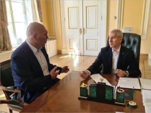 Министр спорта одобрил строительство нового легкоатлетического манежа в Брянске – Валуев