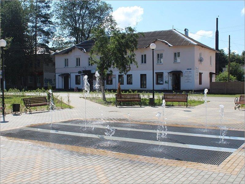 В Жуковке состоялся пробный запуск фонтана в новом сквере