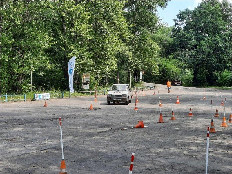 В Брянске подведены итоги первых соревнований по автомногоборью