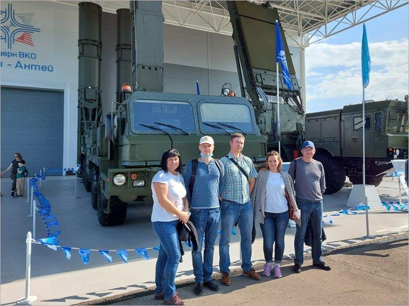 Работники Брянского автомобильного завода посетили Форум «Армия-2021»