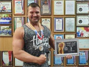 Брянский силач Александр Бояров стал серебряным призёром международного турнира «Кубок Хвата»