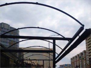 Региональный исполком «ЕР» взял на контроль возвращение на место улетевшей крыши