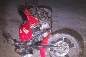 В брянском посёлке Ржаница мотоциклист протаранил «крутую тачку»