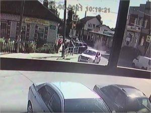 Брянская полиция сообщила об одном пострадавшем после воскресного въезда легкового автомобиля в толпу