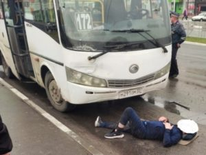 В Брянске скончался мужчина, которого накануне переехал автобус